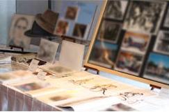 遺品の数々の展示品
