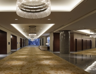 パレスホテル東京 大宴会場 葵ホワイエ