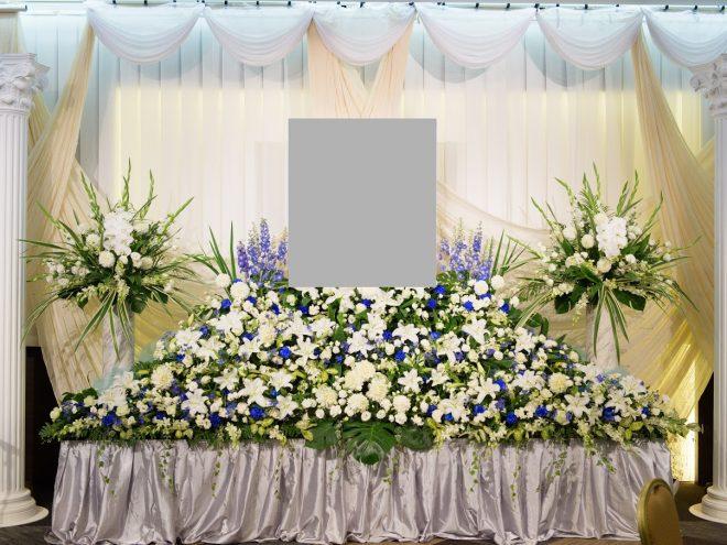 アイビーホール 宴会場 地下2階 サフラン 祭壇例