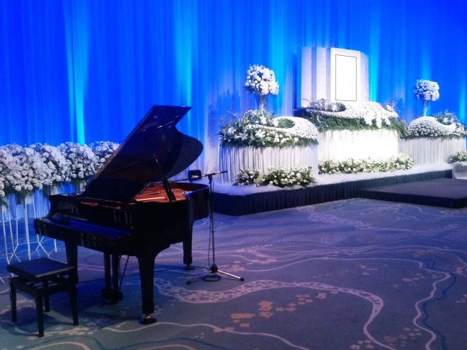 パレスホテル東京 葵の間 祭壇例と供花例