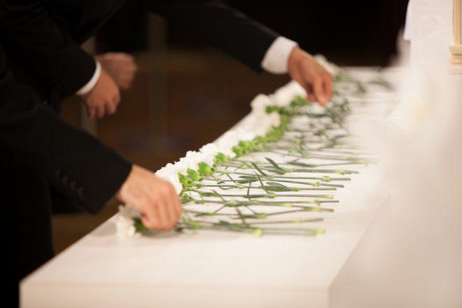 受付後、お一人ずつ献花をしてもらいました